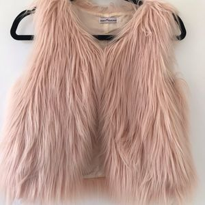 Dainty Hooligan light pink fur vest